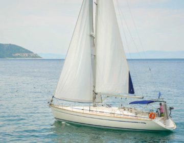 Bavaria 44 Built in 2006. 4 Cabins, 2 WC 10 Passengers. Fully Equipped Dingy-Outboard motor-Bimini top-Spray hood